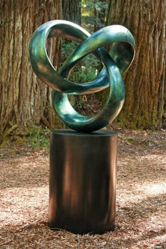 CATENA X – 'Chain of Interconnected Ideas', a sculpture by tbarny